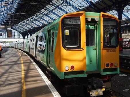 brighton station 905615 340