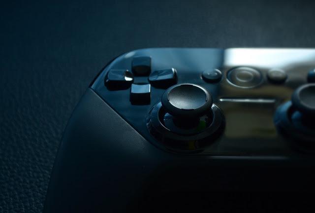 game controller 1532747 1280