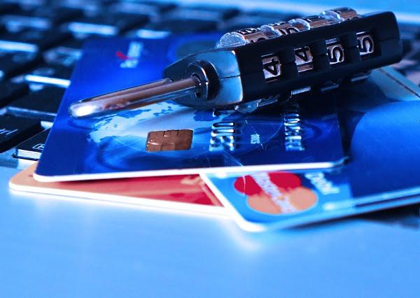 credit card 1591492 1280