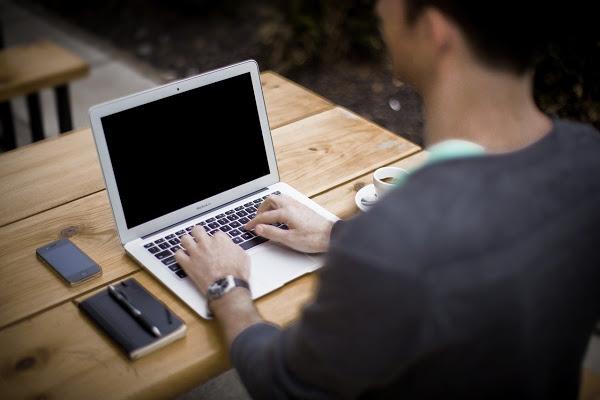 blogging 336376 1280