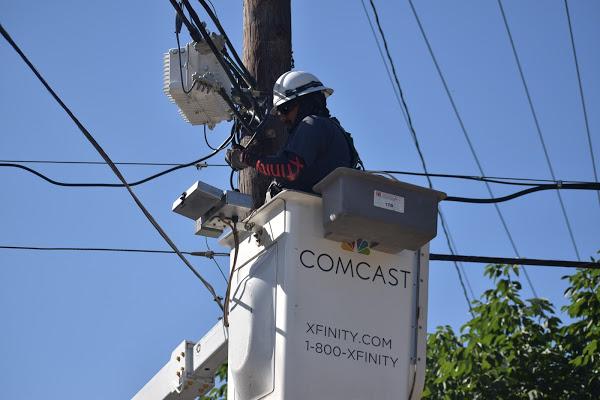 cable repairman 5284857 1920