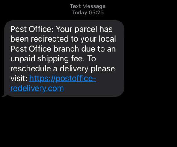fake phone text 600x498 1