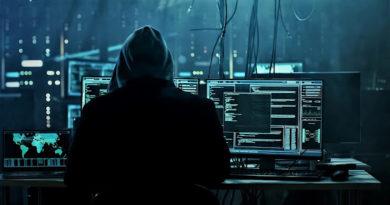 hacker 6586113 1280